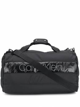 Calvin Klein - padded logo patch holdall K565380BDS9556689600