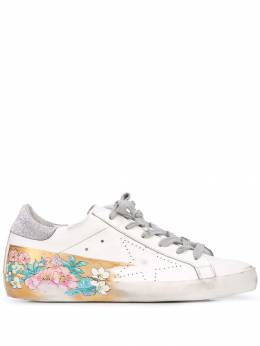 Golden Goose - worn-effect floral detail sneakers WS596Q33955885960000