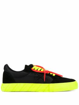 Off-White Low Vulcanized low-top sneakers OMIA085S20D390391062