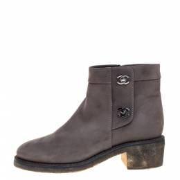 Chanel Grey Nubuck CC Turnlock Ankle Boots Size 39C 358168